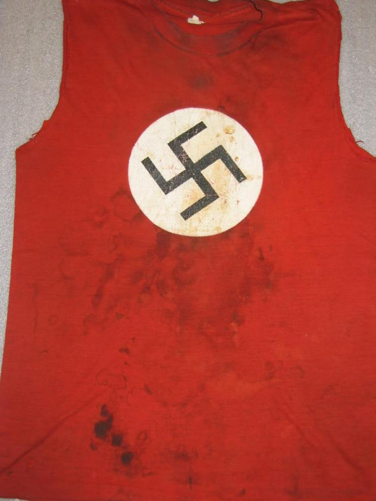 swastika_t-shirt_worn_by_sid_vicious_of_the_sex_pistols